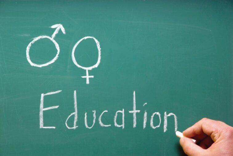 Україні потрібна навчальна програма статевого виховання