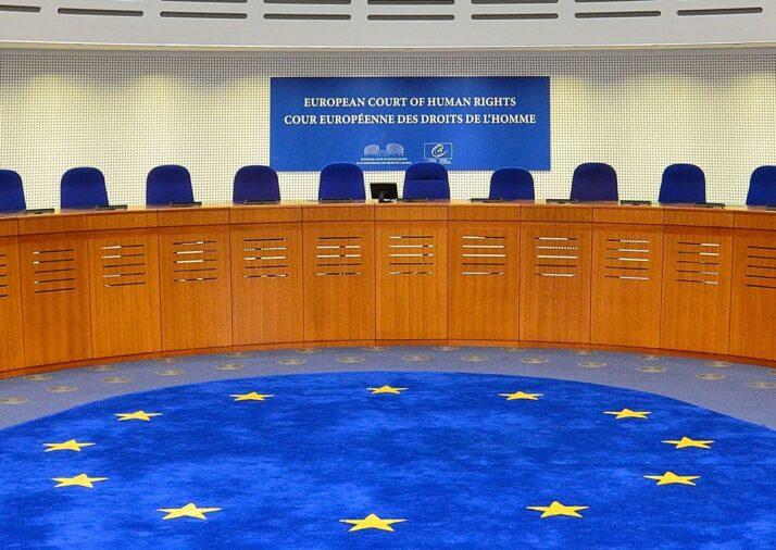 Двоє чоловіків через ЄСПЛ добиваються одностатевих партнерств в Україні: відповідь юристів
